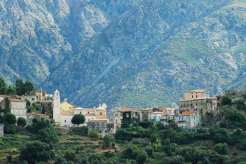 Photo of Belgodere in North-West Corsica
